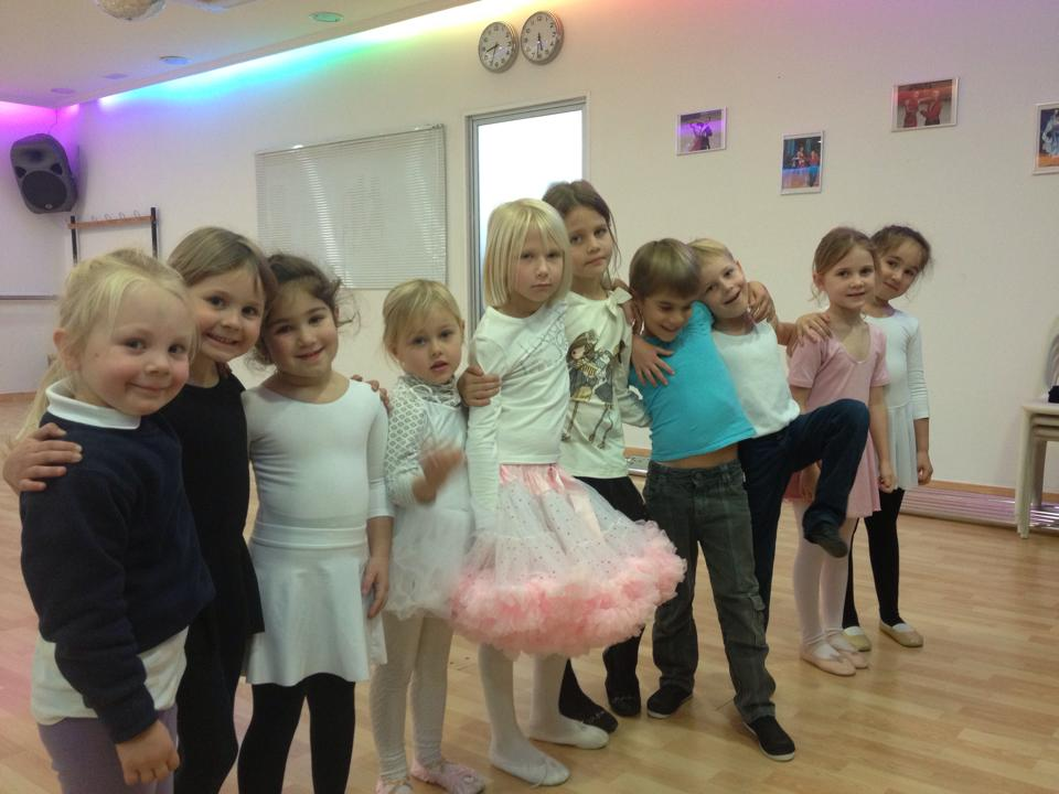 dance, dance marbella, Dance Marbella, dance classes in marbella, dance marbella school, dance school, dance classes for kids, dancing, kids dancing, dances for children , dance school for children in marbella,